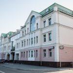 По центру Екатеринбурга