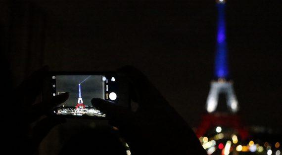 Эйфелева вышка вновь открыта для туристов— Мэрия Парижа