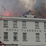 Пожар уничтожил старейший отель вАнглии