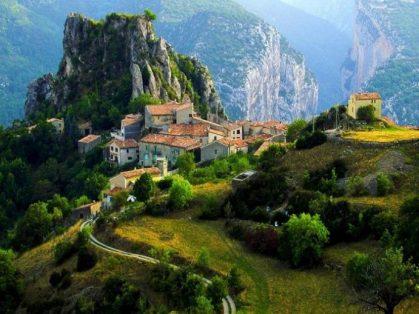 Албания отменила визы