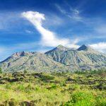 НаБали из-за активности вулкана эвакуировали уже неменее 135 тыс. человек