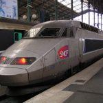 Не взлетают самолеты и не едут поезда во Франции