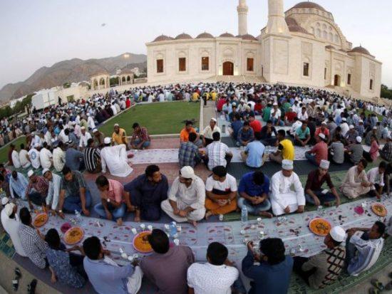 Путешественникам следует помнить об ограничениях в Рамадан
