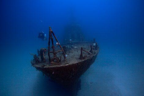 В Турции туристам предложат заняться дайвингом на месте затонувших кораблей