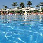 Каких туристов вы встретите на пляжах в Анталье