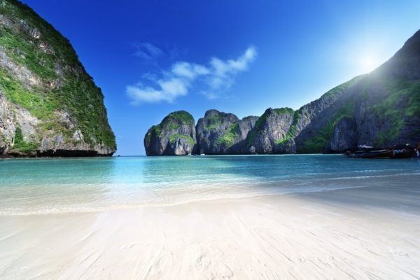 пляж, расположенный на тайском острове Пхи-Пхи