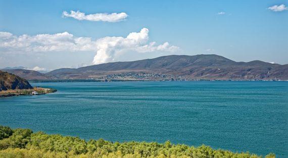 Пегас запускает для туристов чартеры в Армению