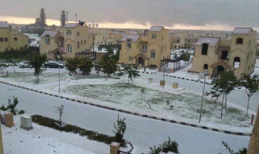 В Египте наступила зима: выпал снег и пришла песчаная буря