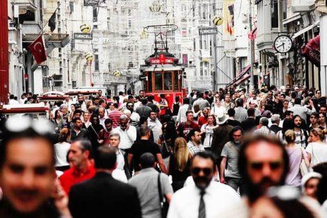 Турция начинает наказывать российских туристов за незаполненные анкеты