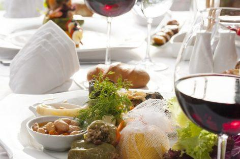 Какое вино нельзя пить в Крыму: посоветовали туристам