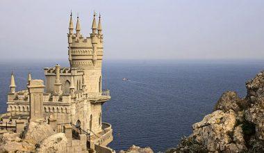 Крым посетили 100 тысяч туристов