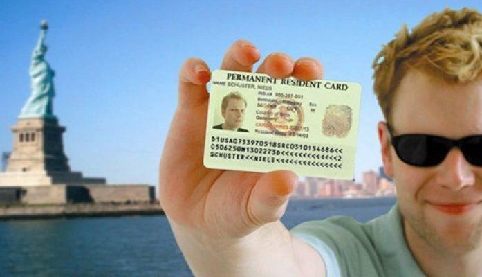 ВГосдепе назвали сроки оформления туристической визы для жителей РФ