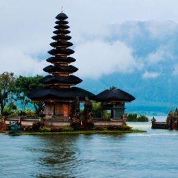 Из-за вулкана на Бали закрыт аэропорт