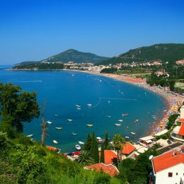 В Черногории стартует летний сезон