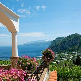 Туристов на Капри ограничат в передвижениях
