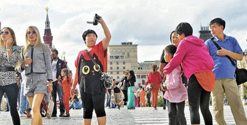 В КНР разработали правила поведения для китайских туристов