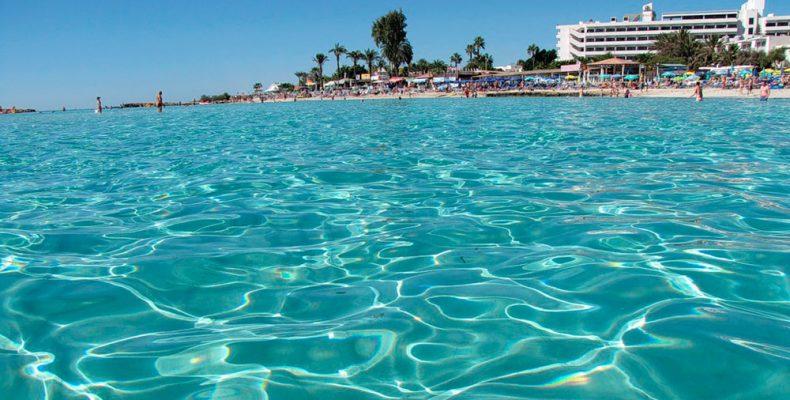 Греция, Кипр, Мальта в топе стран с самой чистой водой на пляжах