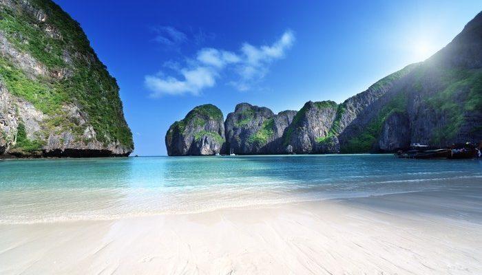 Залив Майя Бэй в Таиланде откроется через 1.5 месяца