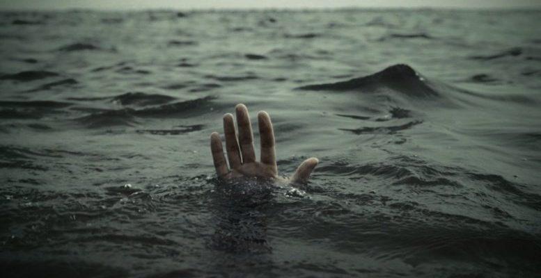 Двое российских туристов погибли в Турции, 10 — унесло в море в Черногории
