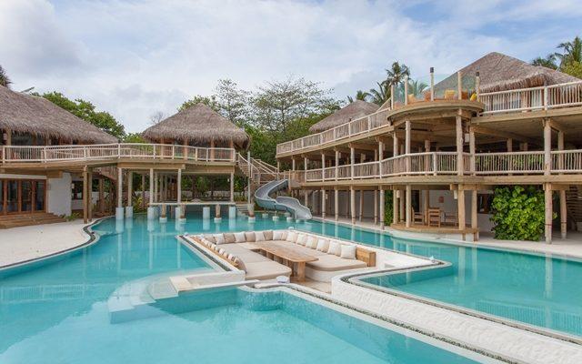 Работа мечты- отель на Мальдивах ищет продавца книг