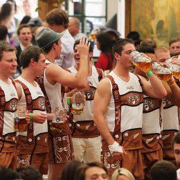 Экспертами названы города мира с самым дешевым пивом